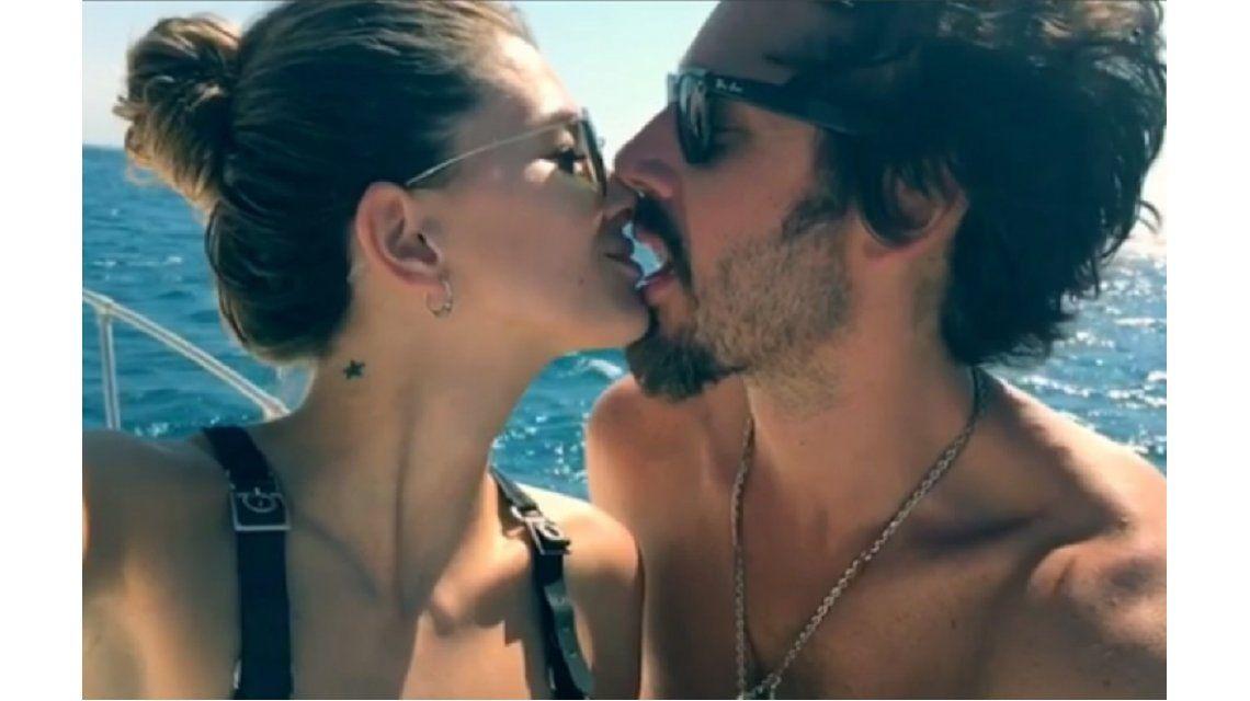 La China Suárez y Benjamín Vicuña a los besos en Instagram