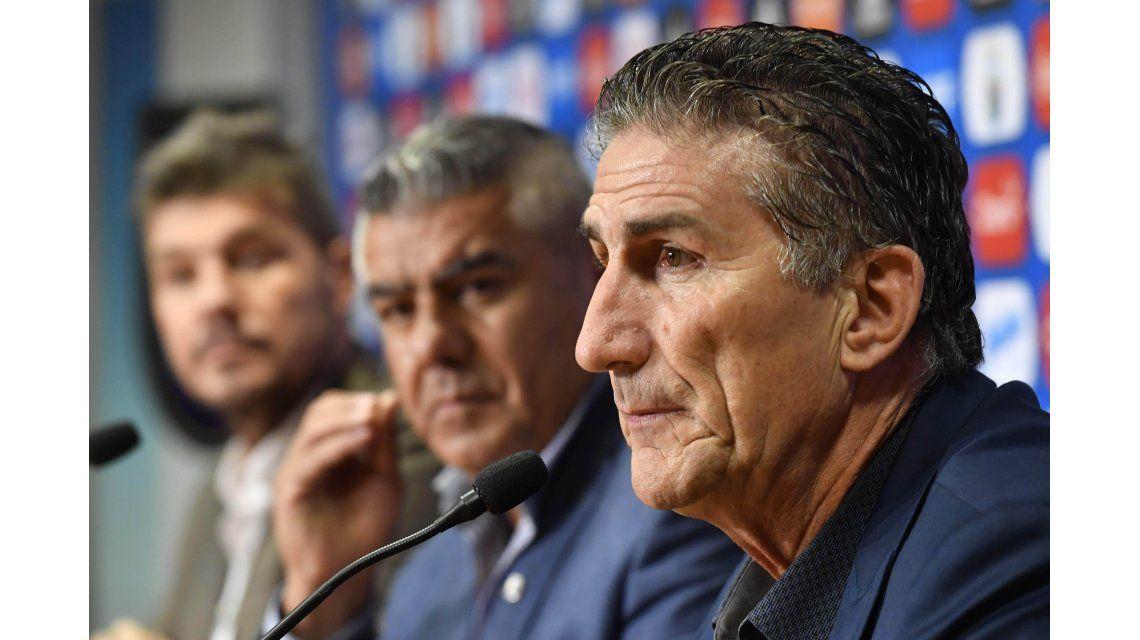 Bauza le dijo adiós a la Selección con una conferencia junto a Tapia y Tinelli