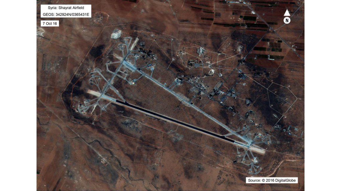 Vista aérea del aeropuerto de Shayrat