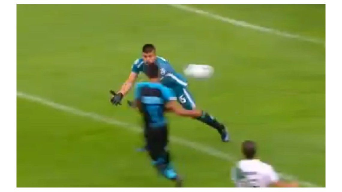 El pibe Romero le sacó la vista a la pelota y lo pagó caro