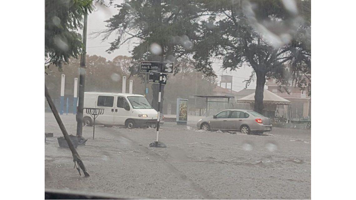 Las impactantes imágenes del  fuerte temporal en Mar del Plata