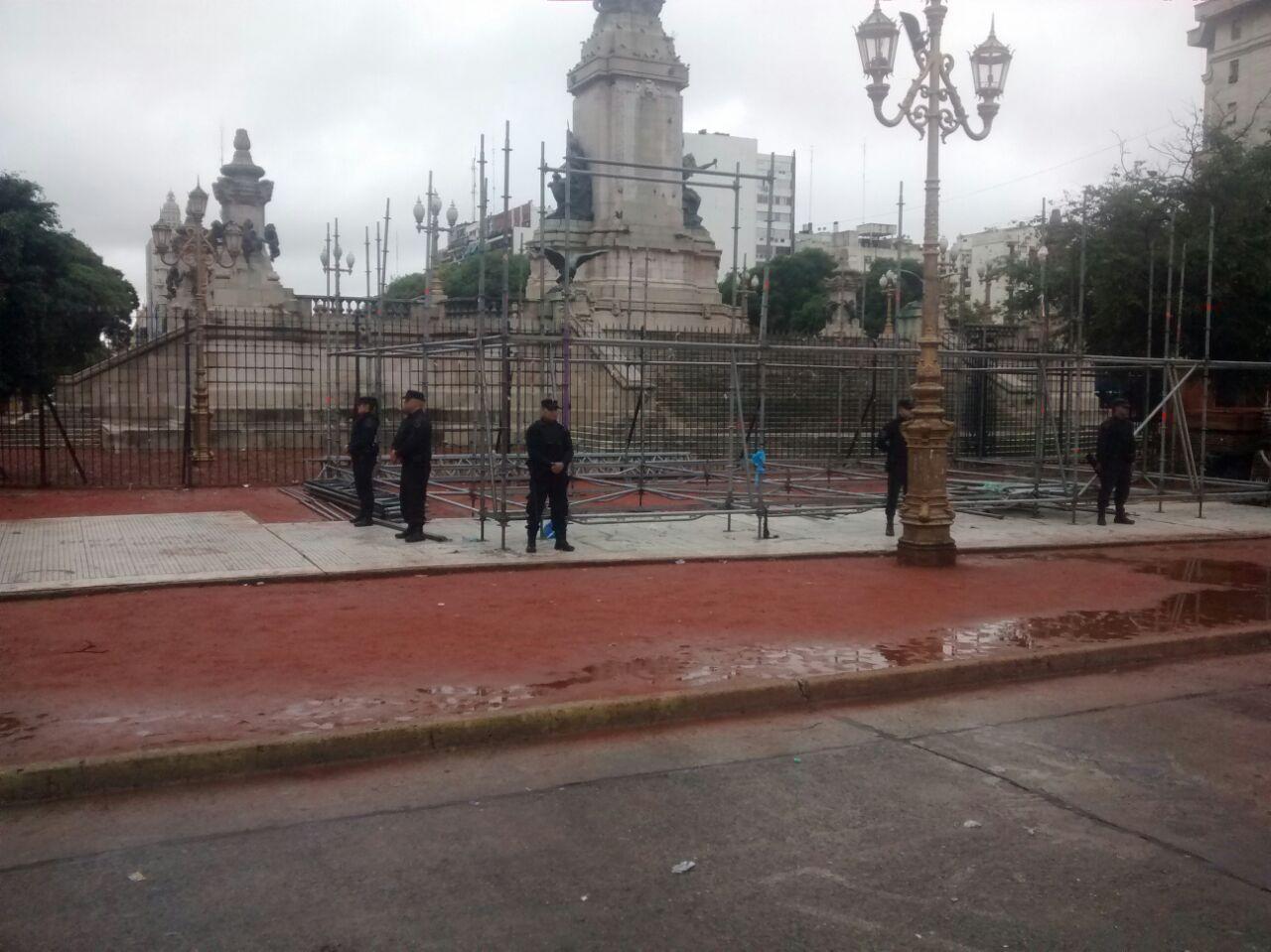 La Ciudad habilitó a los docentes a montar la carpa frente al Congreso