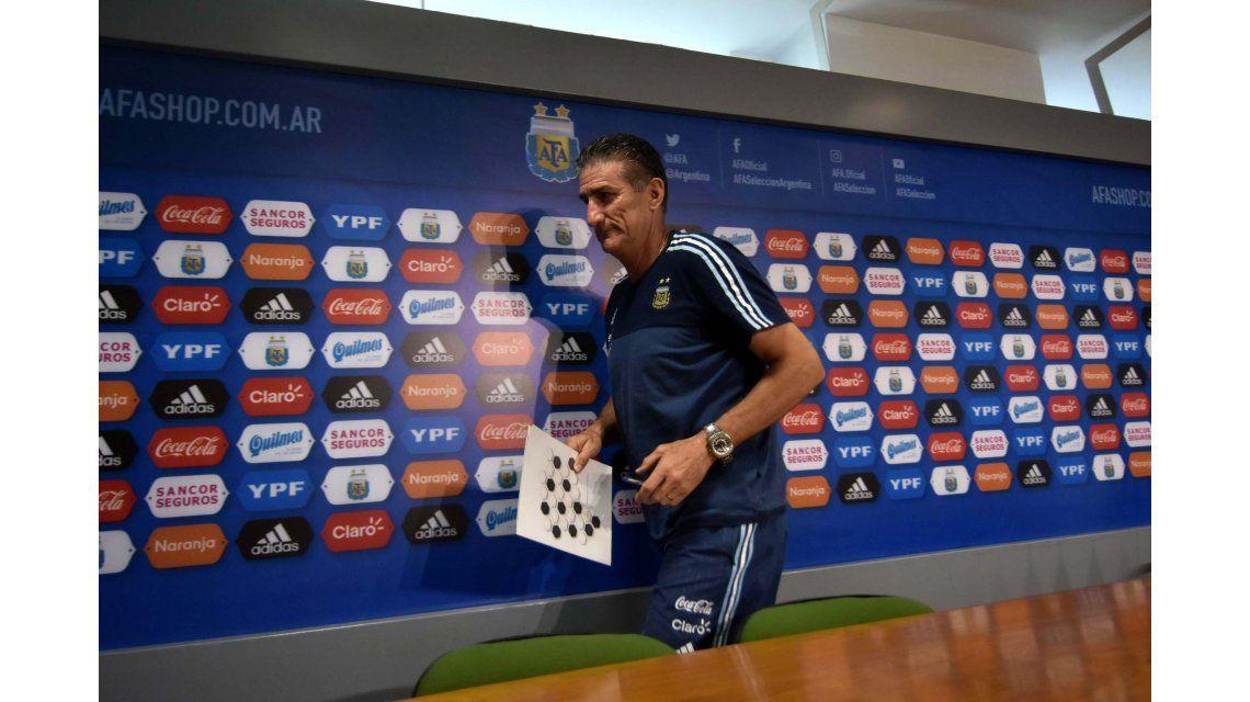 Edgardo Bauza en una de sus últimas conferencias de prensa