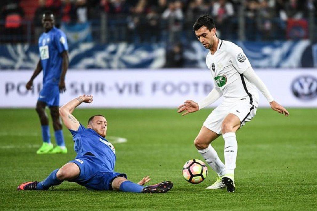 El talento de Javier Pastore ante la férrea marca rival