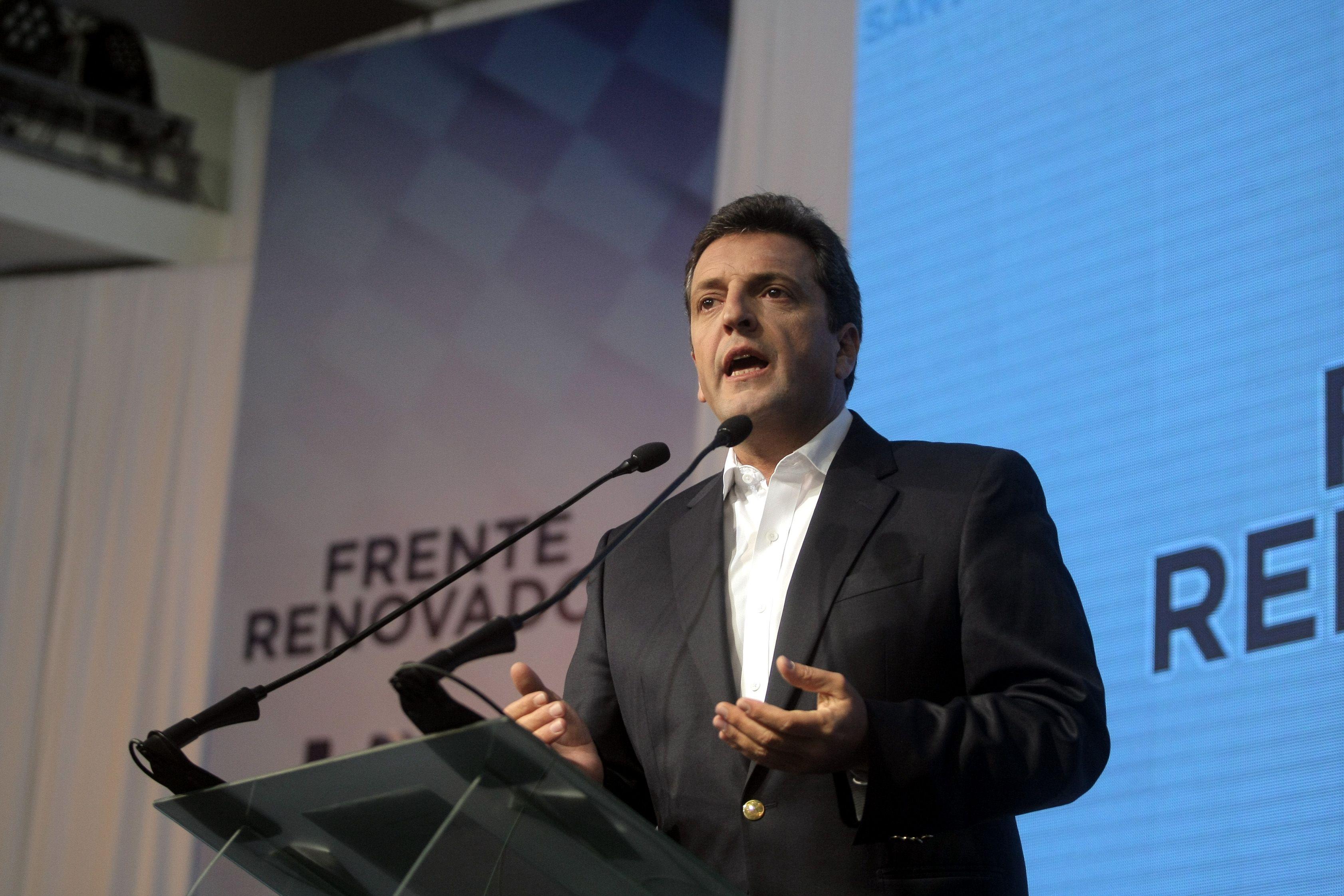 Massa repudió la repesión a los docentes