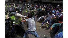 Al menos nueve heridos en una marcha opositora en Caracas