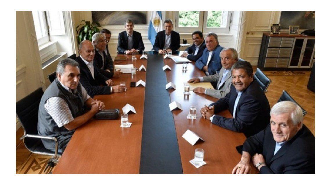 Reunión de representantes de la CGT y Mauricio Macri