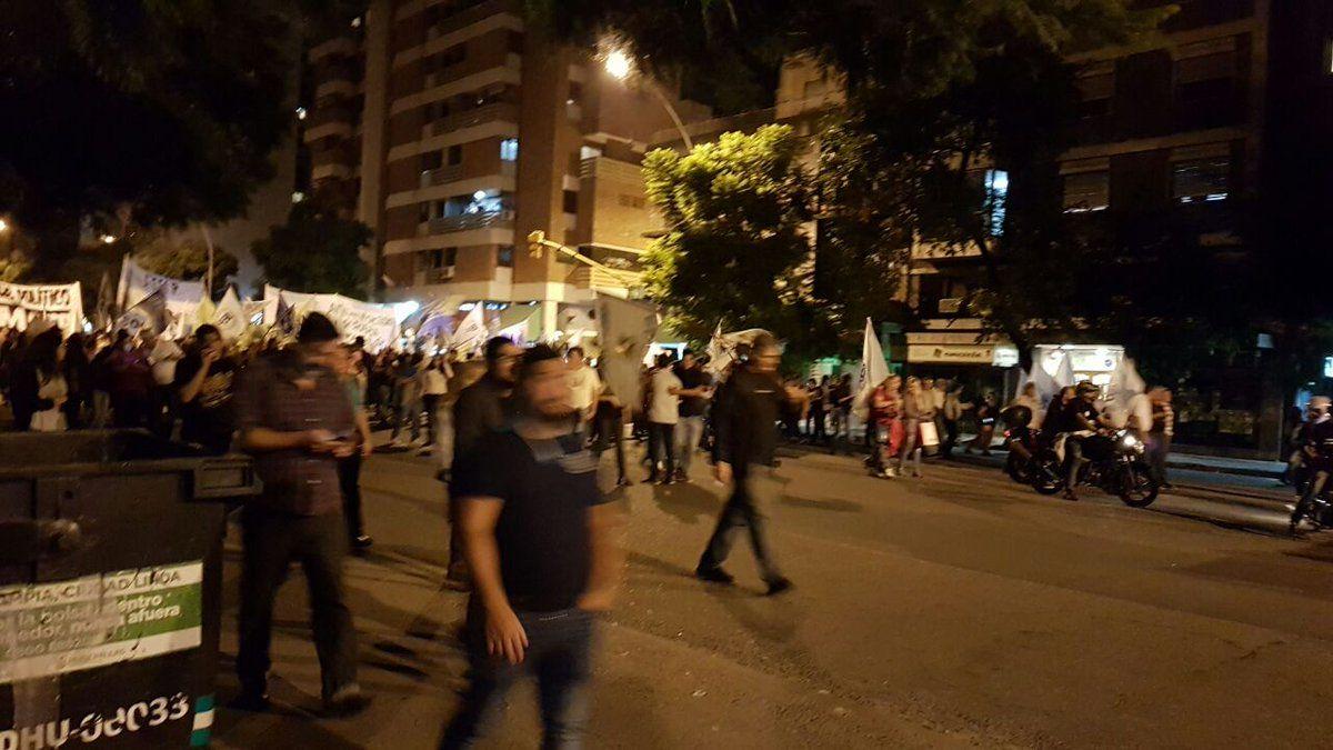 En Córdoba el paro general comenzó con una movilización