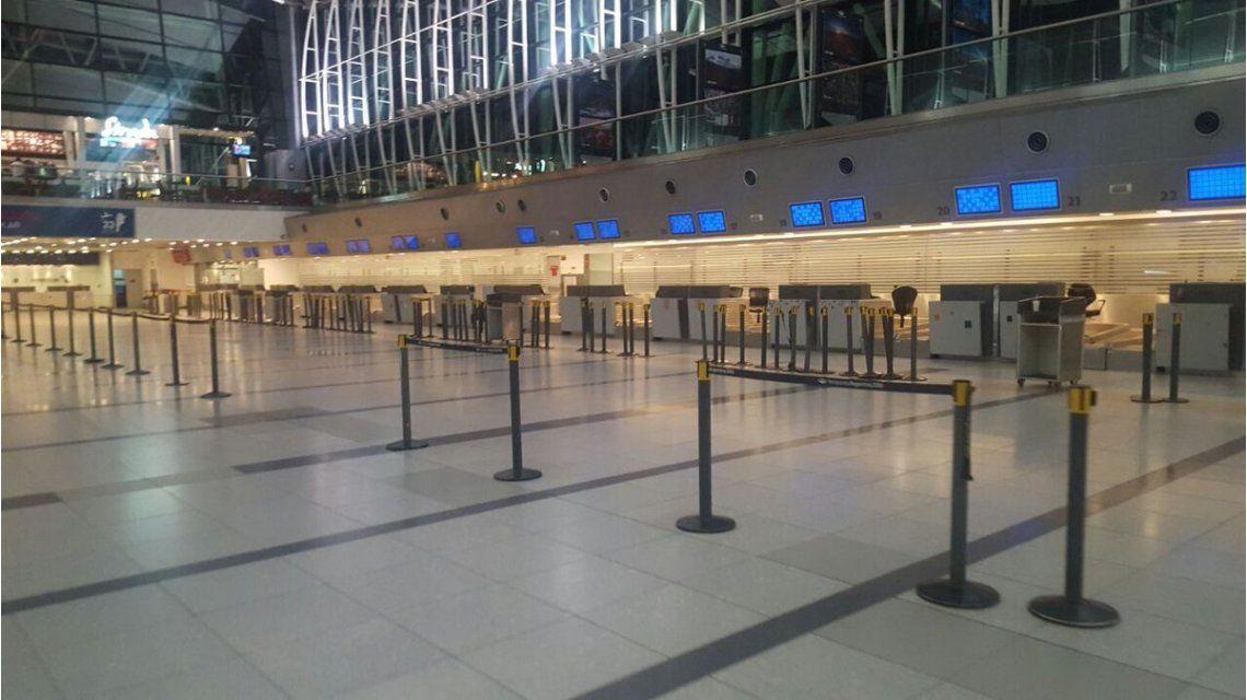 Aeropuertos del país no tienen actividad y los vuelos que llegan son desviados