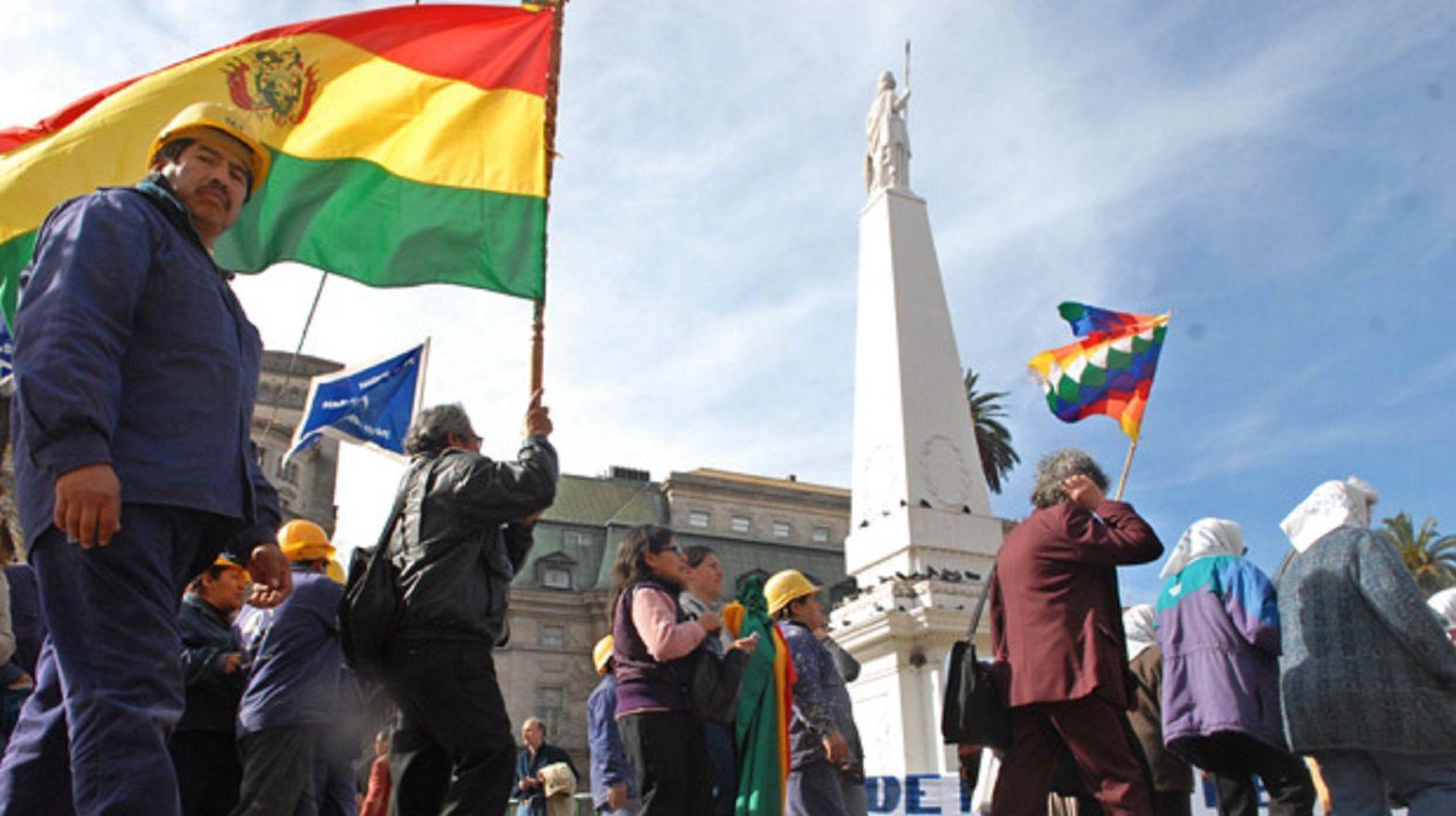 Inmigrantes bolivianos, paraguayos y europeos: un sondeo revela cuándo y cómo discriminamos los argentinos