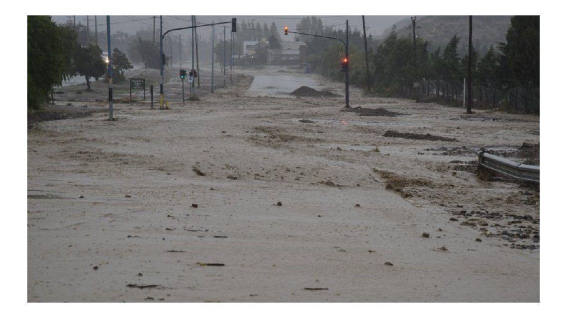 La inundación no da tregua en Comodoro Rivadavia (El Patagónico)