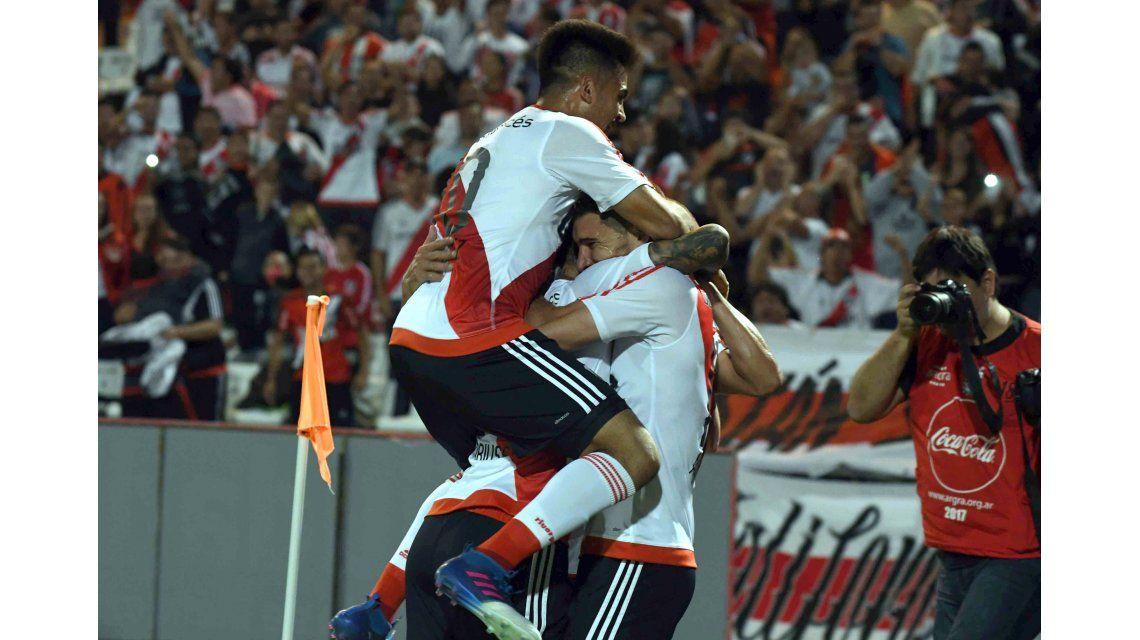 El festejo desaforado del Millonario tras el gol de Alario