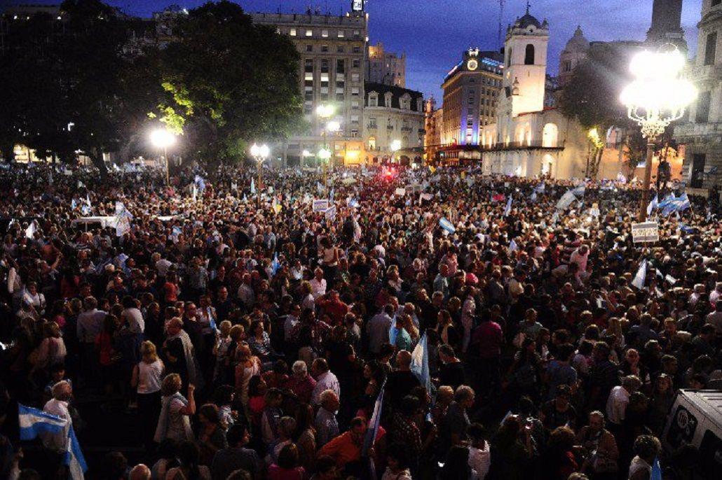 Marcha en Plaza de Mayo a favor del Gobierno