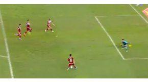 Aunque no se pueda creer, esta jugada no terminó en gol