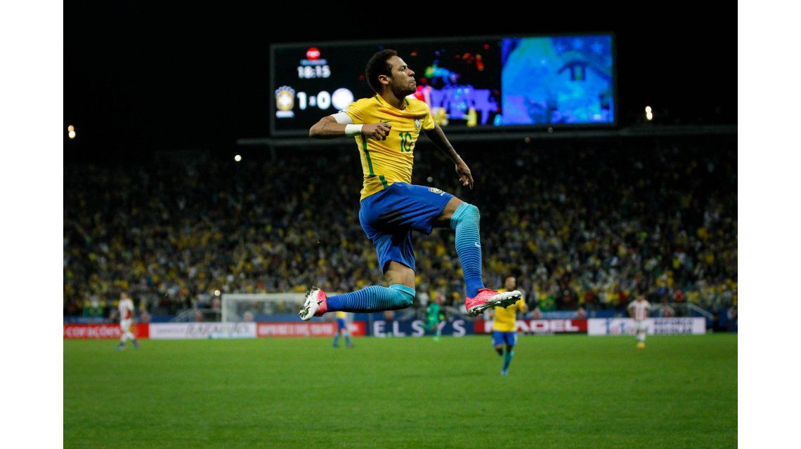 El festejo de Neymar en la goleada de Brasil a Paraguay