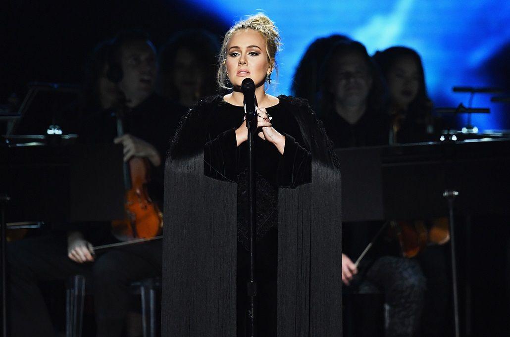 Adele amaga con dejar los escenarios