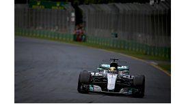 El inglés Hamilton, durante la clasificación en Australia
