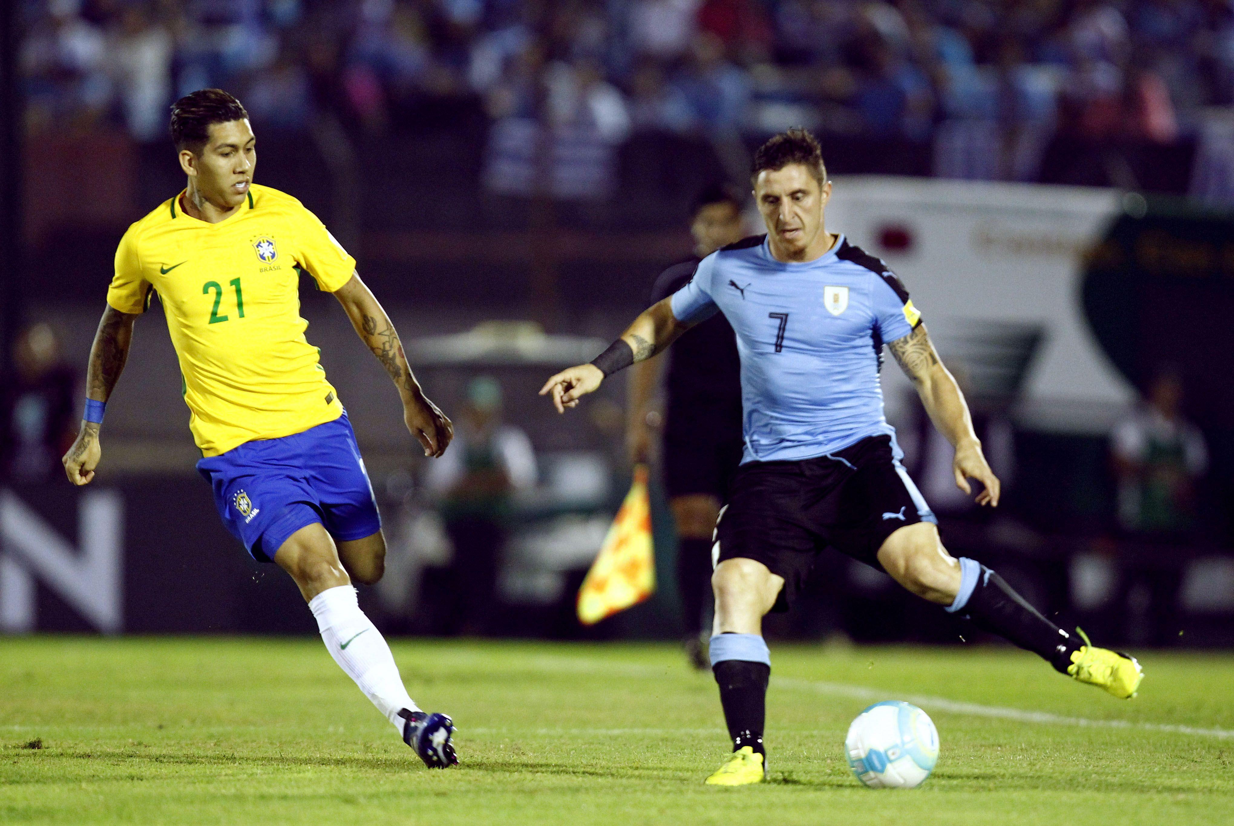 Un festival: Brasil goleó a Uruguay en el Centenario y es más líder que nunca