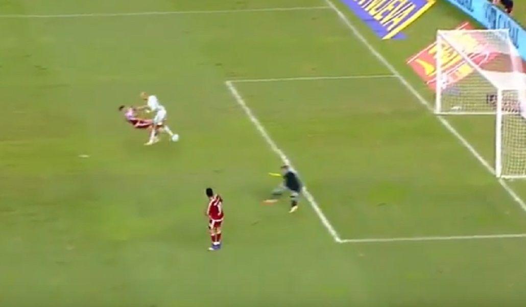 Un cabezazo de Zidane a Andrade