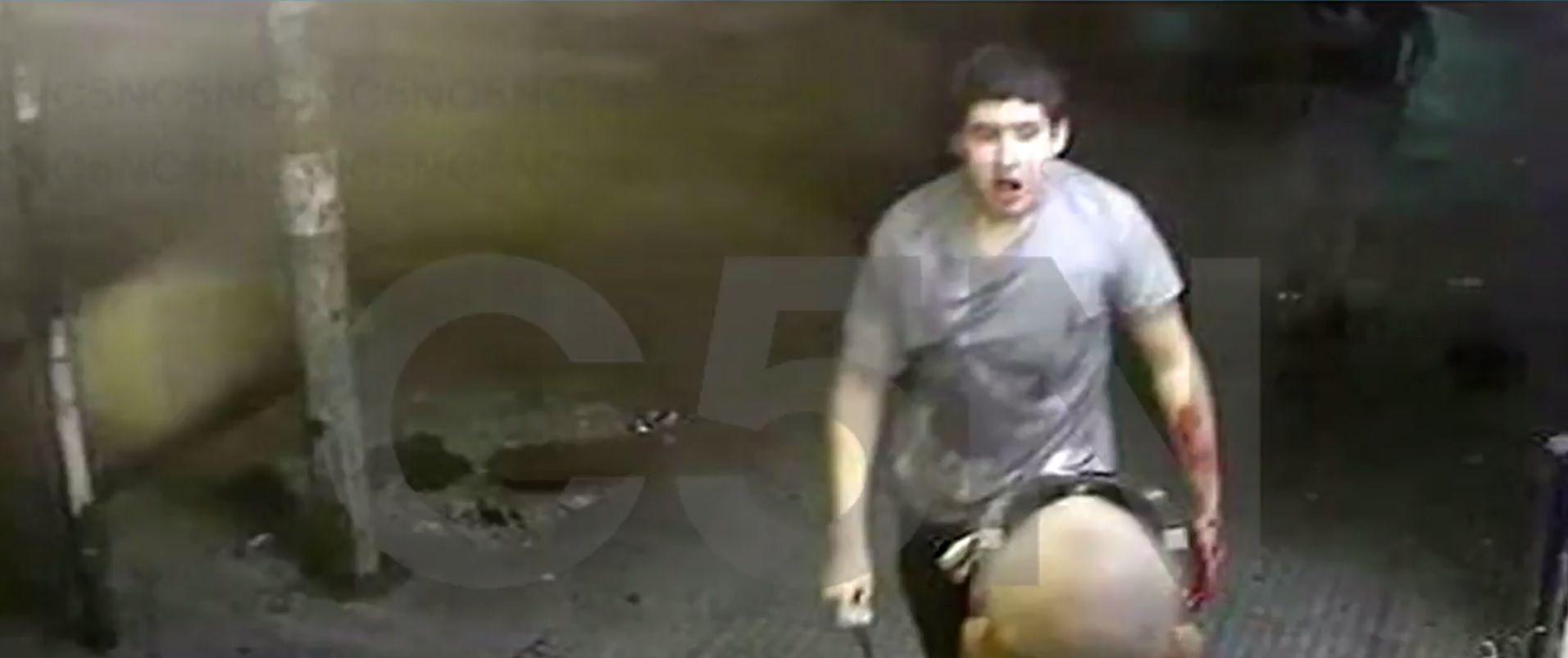 El atacante fue captado por las cámaras de monitoreo de la zona