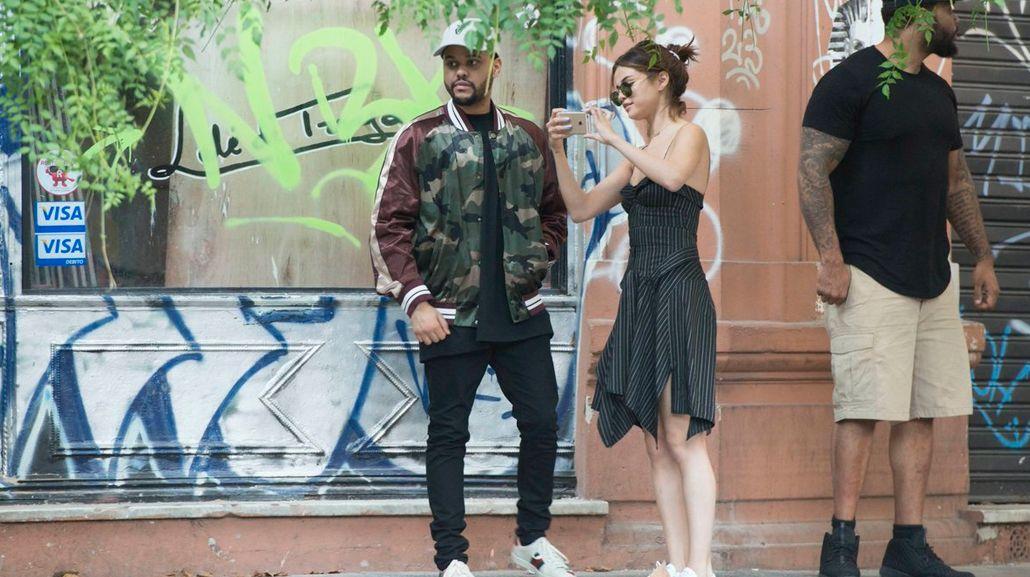 Selena y The Weeknd muy enamorados por Palermo