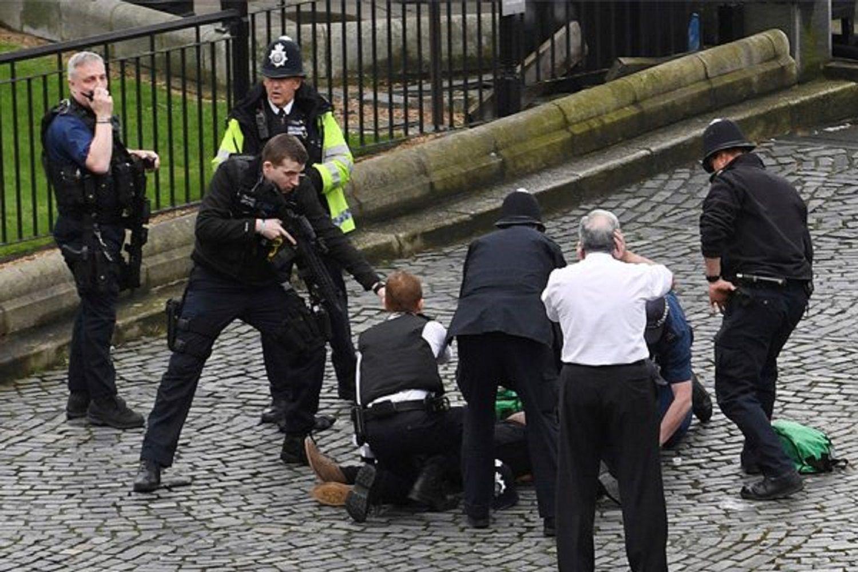 Ataque terrorista en Londres: al menos cinco muertos y 40 heridos