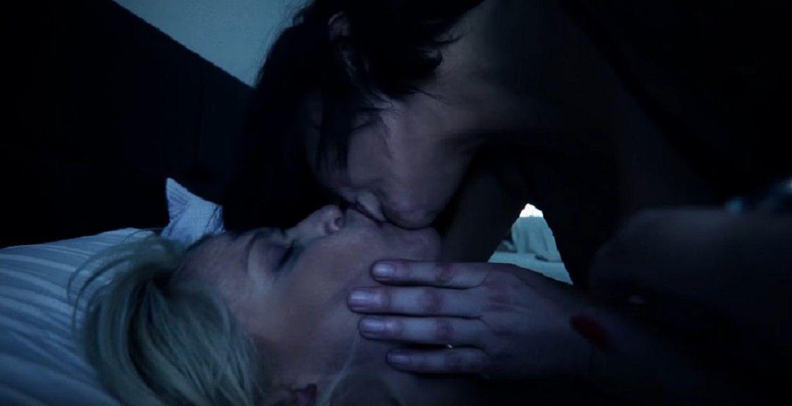 El espectacular beso de Nazarena y Cardone