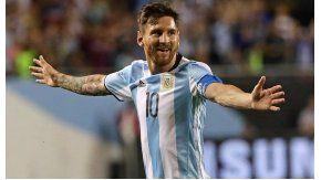 Lionel Messi, el único argentino que está libre de amarillas