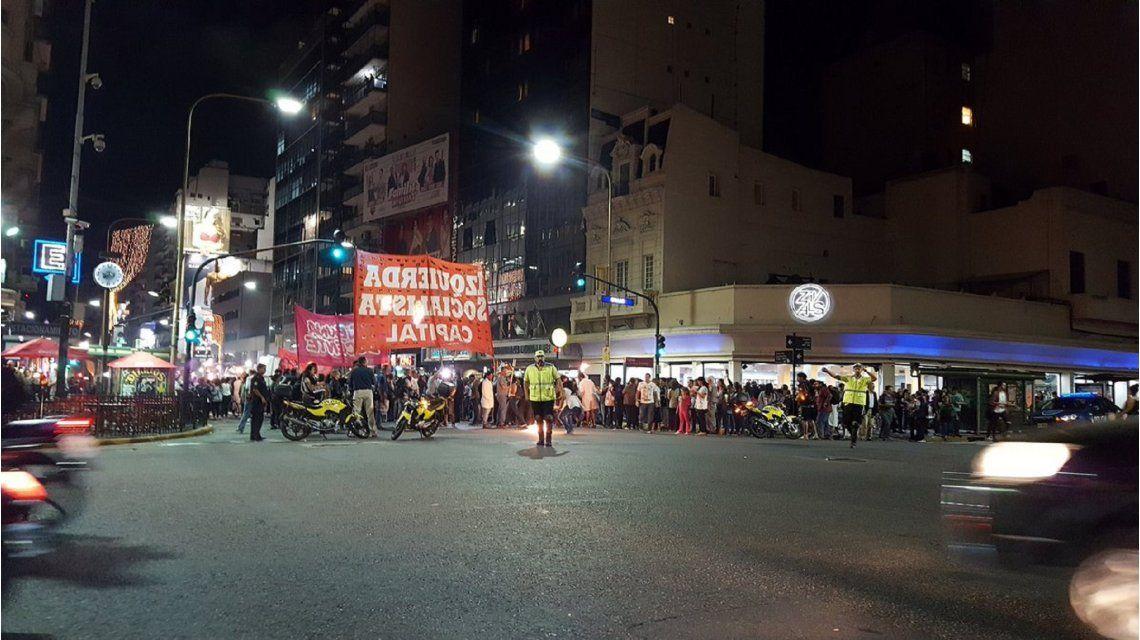 Docentes porteños se movilizaron al Obelisco horas antes del paro nacional