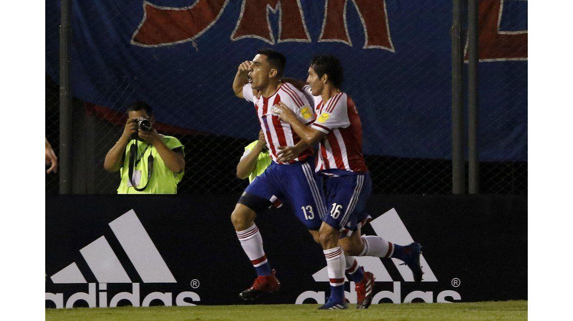 Paraguay superó a Ecuador y sueña con el Mundial