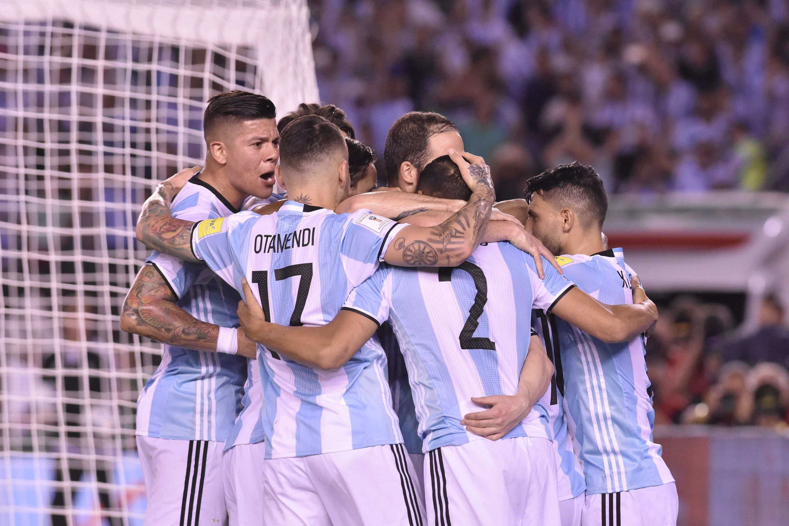 Sin jugar bien, Argentina derrotó a Chile con un gol de Messi de penal