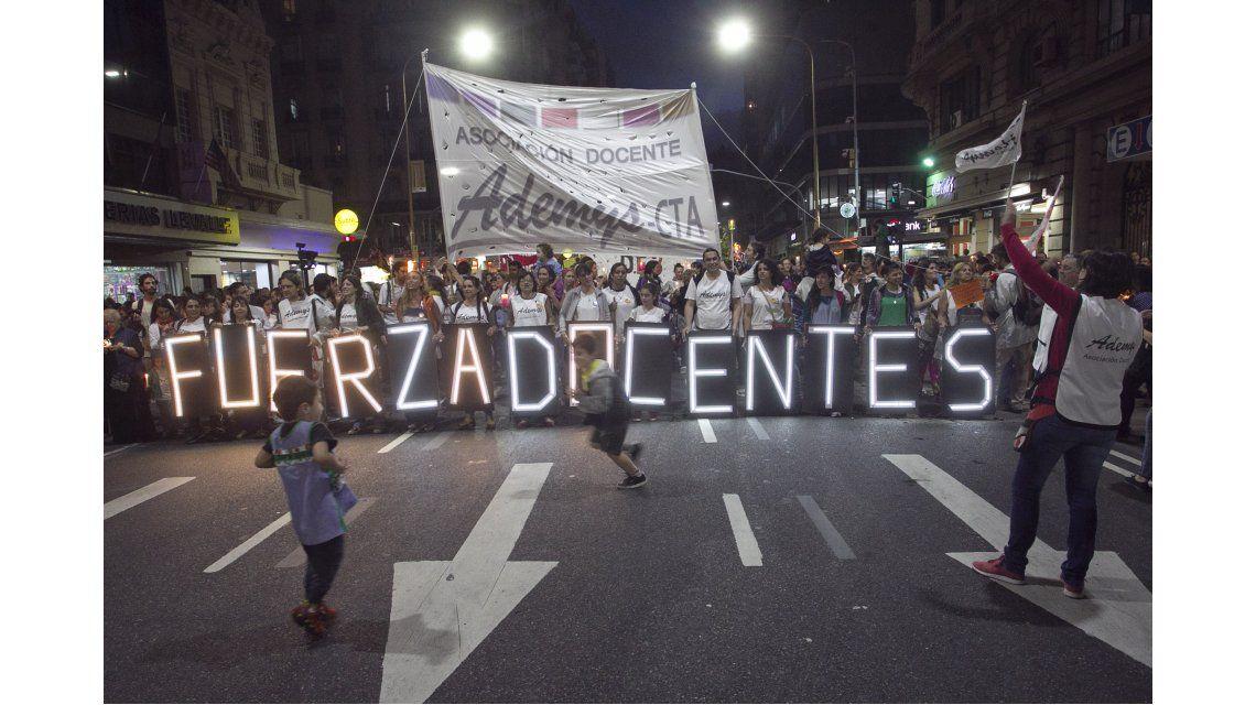 Marcha de docentes porteños en la previa del paro nacional