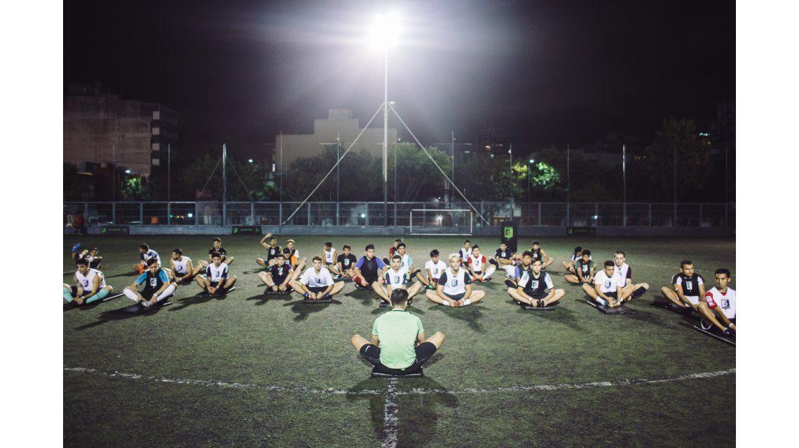 Gustavo Bou fue a una clínica para aumentar su capacidad goleadora