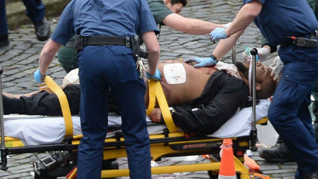 Los paramédicos atendieron a Khalid Masood pero murió