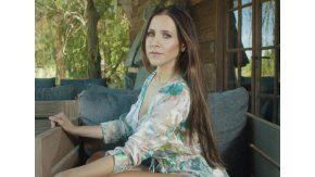 Julieta Camaño vuelve con #RightNow