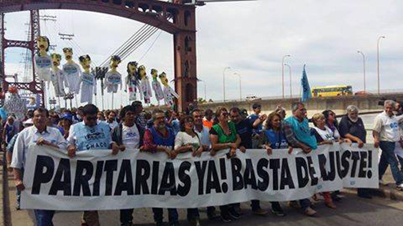 Educadores de todo el país llegan a Buenos Aires para la Marcha Federal Docente