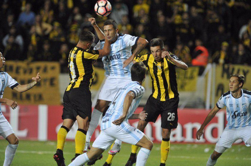 Peñarol y Atlético Tucumán en Montevideo