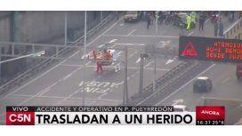 VIDEO: Así trasladaban a un herido en un helicóptero en el puente Pueyrredón