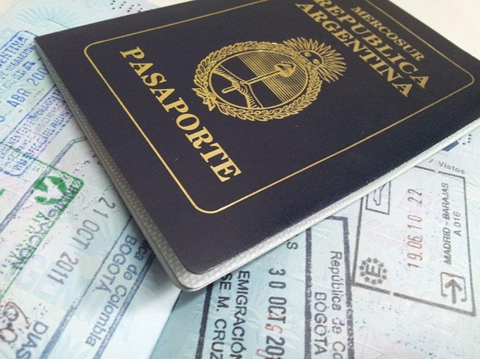 Una empleada judicial estafó a 200 inmigrantes chinos
