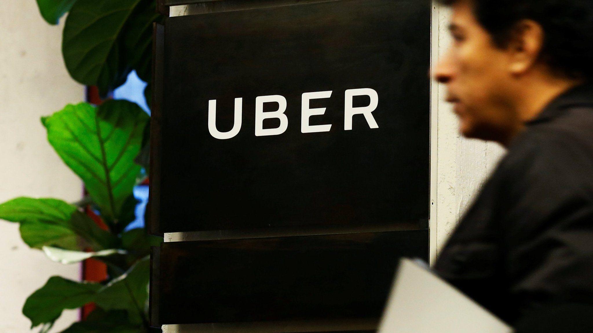 En Europa dicen que Uber debe tener licencia como los taxistas