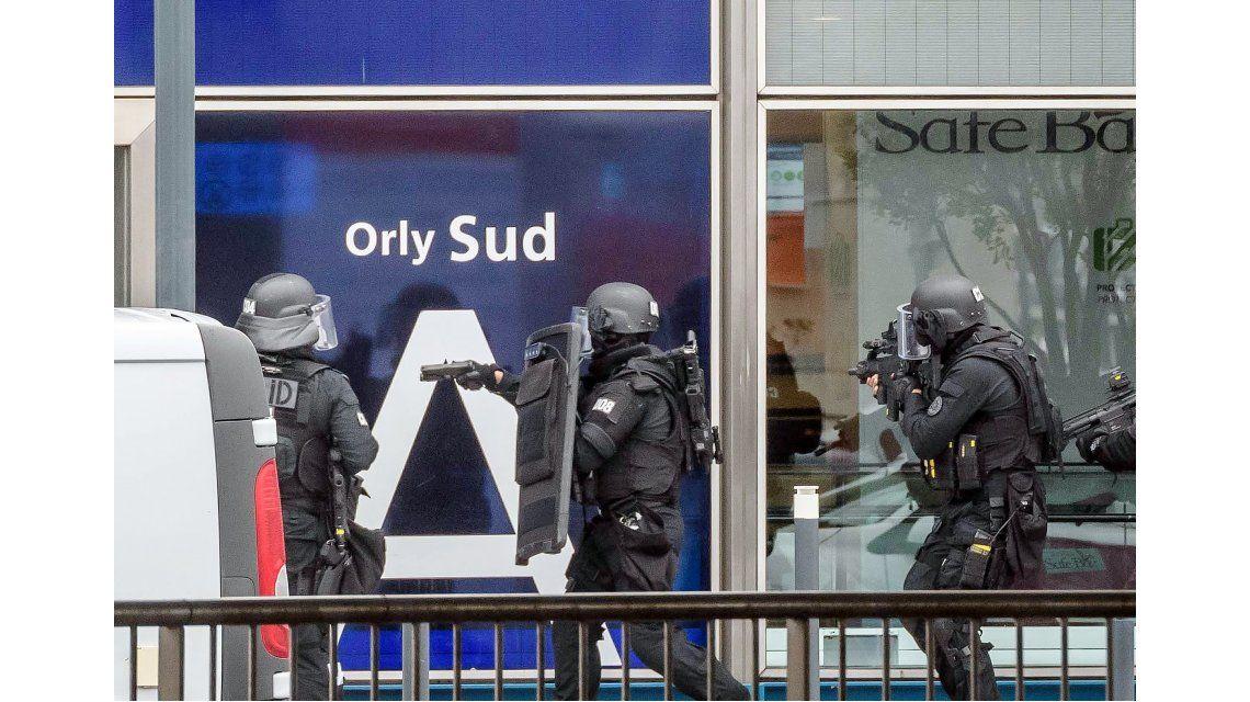 Ejecutaron al atacante en la terminal de Orly