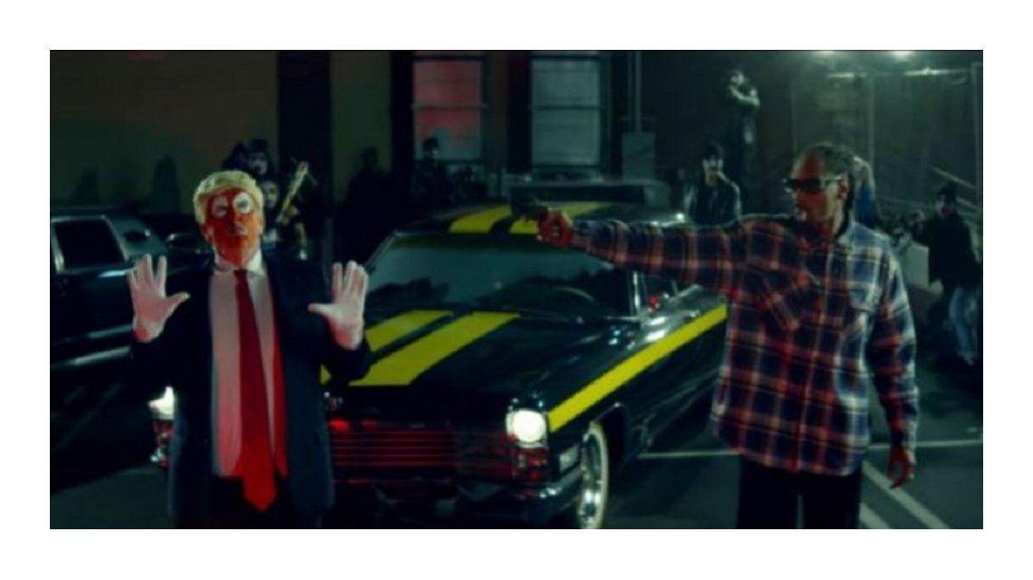 Snoop Dogg le dispara a Trump en su video