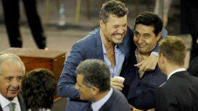 El amistoso gesto entre Tinelli y Angelici en una Asamblea de AFA