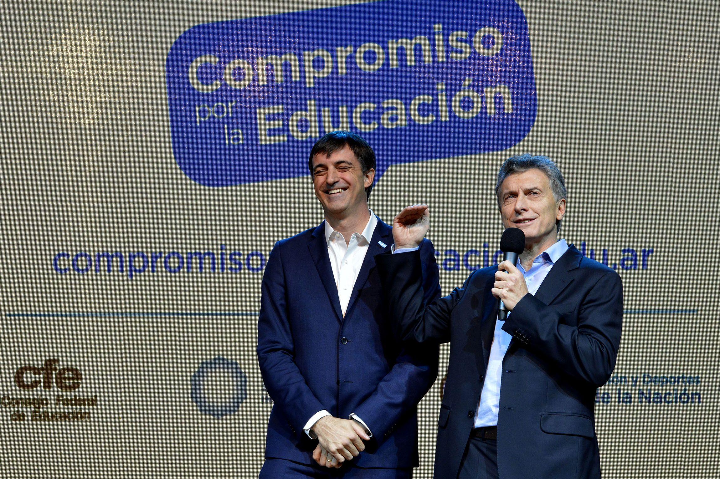 Bullrich corrigió a Macri por su frase no feliz