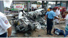 Choque entre un auto y un camión en Córdoba: un muerto y un herido
