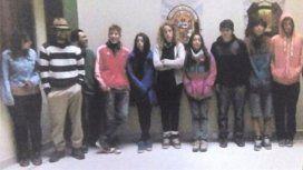 Detuvieron en Perú a 11 turistas argentinos por pintar un muro inca