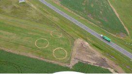 Los tres círculos gigantes, al costado de la ruta 7
