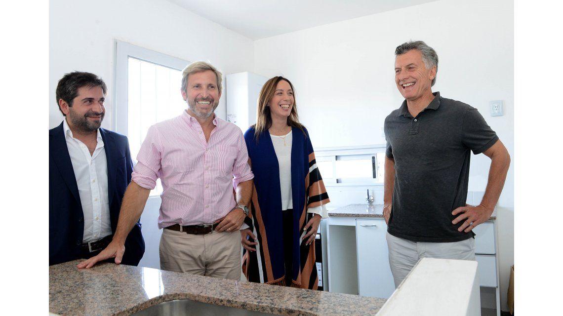 Macri lanza este lunes el plan para construir 100 mil for Plan de viviendas macri
