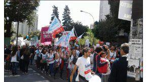 Los docentes se movilizan en La Plata