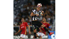Estudiantes cayó 2-1 ante Botafogo en Brasil
